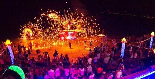 ark-bar-fire-show-island-info-samui