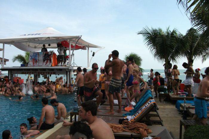 arkbar - pool party 2
