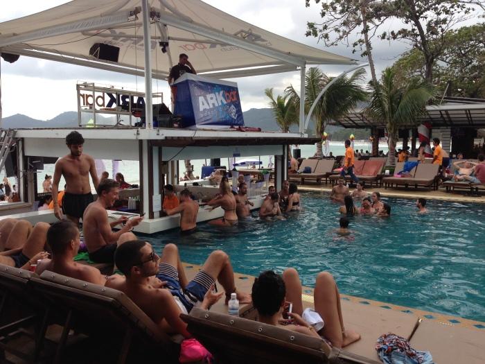 arkbar - samui - pool party