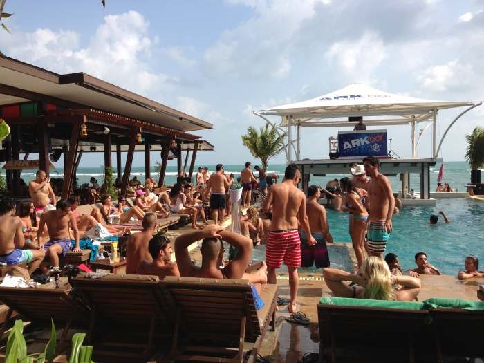pool party - arkbar