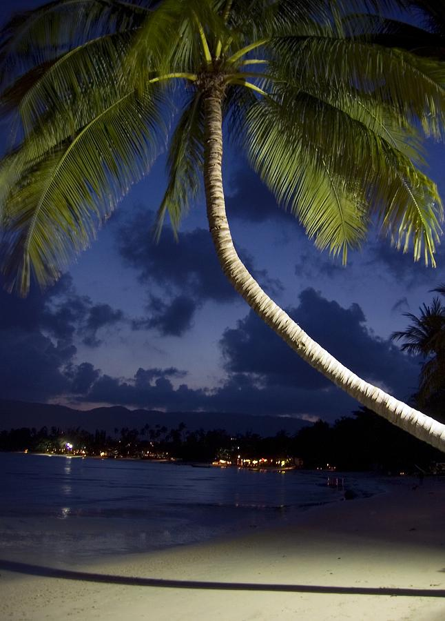 Island Info, Chaweng, Koh Samui at night