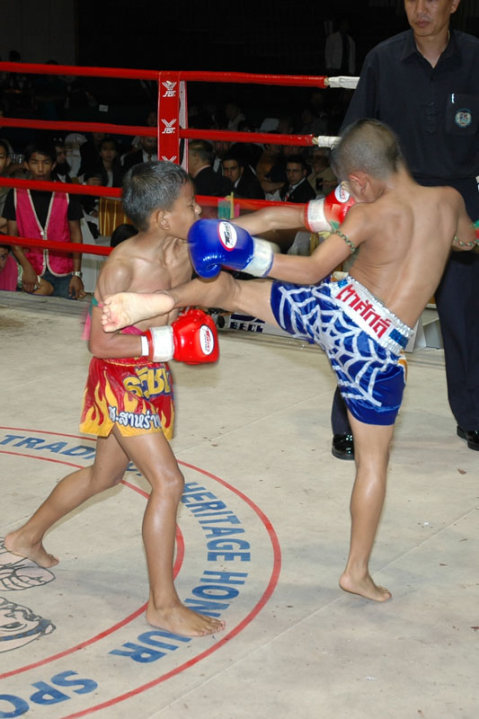 muay thai-lumpini-thailand-chaweng-phetbuncha-samui stadium-island info-ark bar.3g