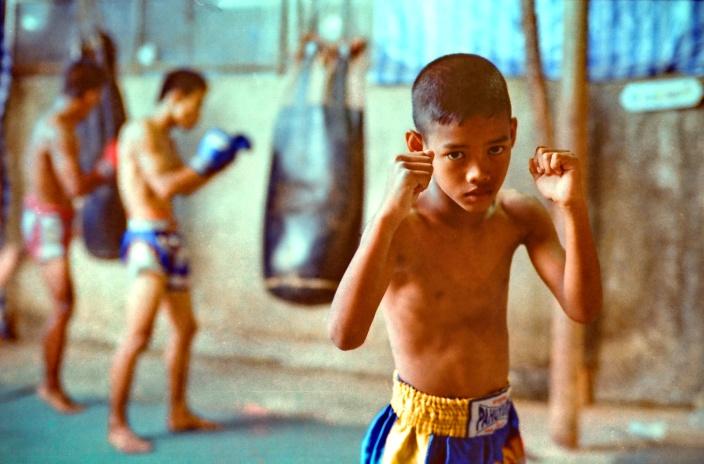 muay-thai-tradition-culture-lumpini-rajadamnern-stadium-bangkok-mongkol-mongkin-buakaw- lumpinee-wai-khru-boxing-information-children-info-samui  (4)