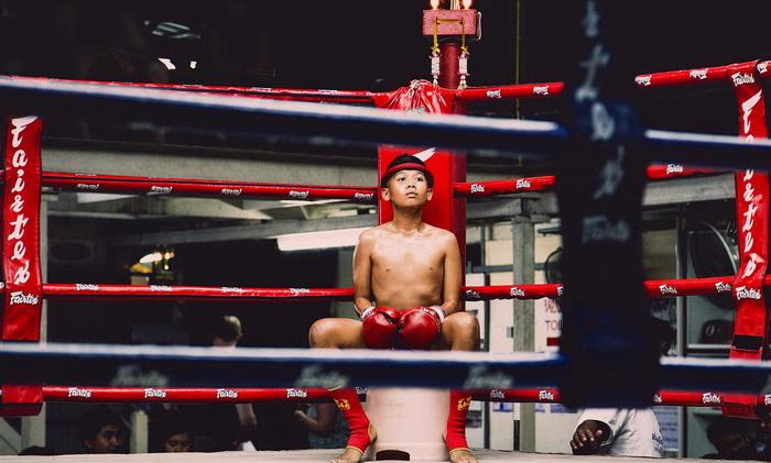 muay-thai-tradition-culture-lumpini-rajadamnern-stadium-bangkok-mongkol-mongkin-buakaw- lumpinee-wai-khru-boxing-information-children-info-samui  (6)
