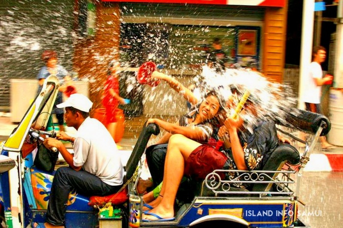 Songkran, everyone