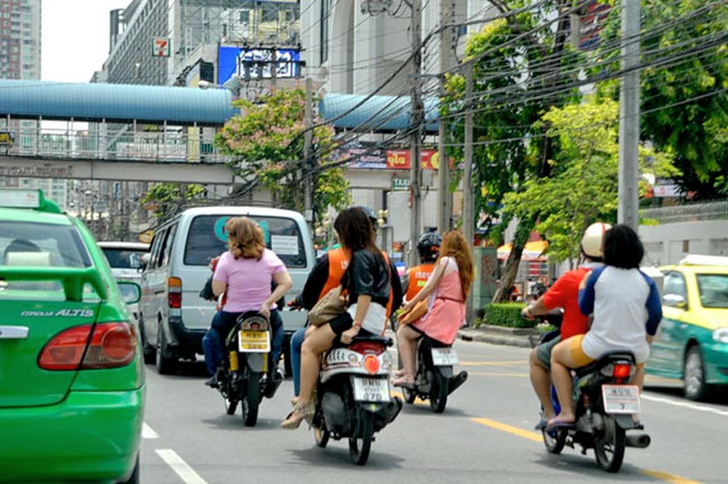 motorcycle-side-saddle-Thailand-bangkok-samui-tours-travel-trans