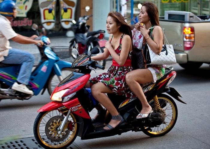 Do thai girls approach foreigners - 4 6