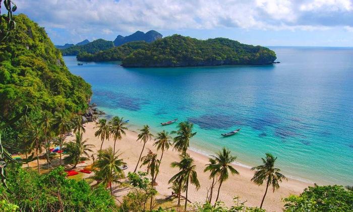 ang-thong-national-marine-park-koh-samui-archipelago-surat-thani-province-mu-ko-ang-thong-national-park-sign-mae-koh-lagoon-blue-lagoon-viewpoint