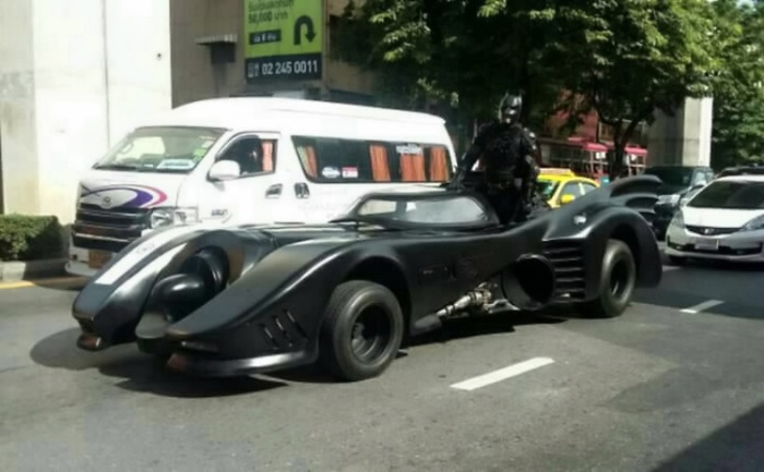 Batman, Bangkok, no drivers licence, no number plates