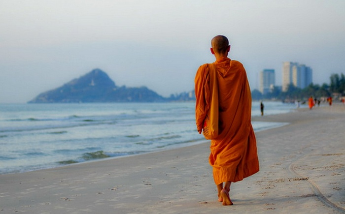 Buddhist Monks Habits and Routines to improve your life and heal