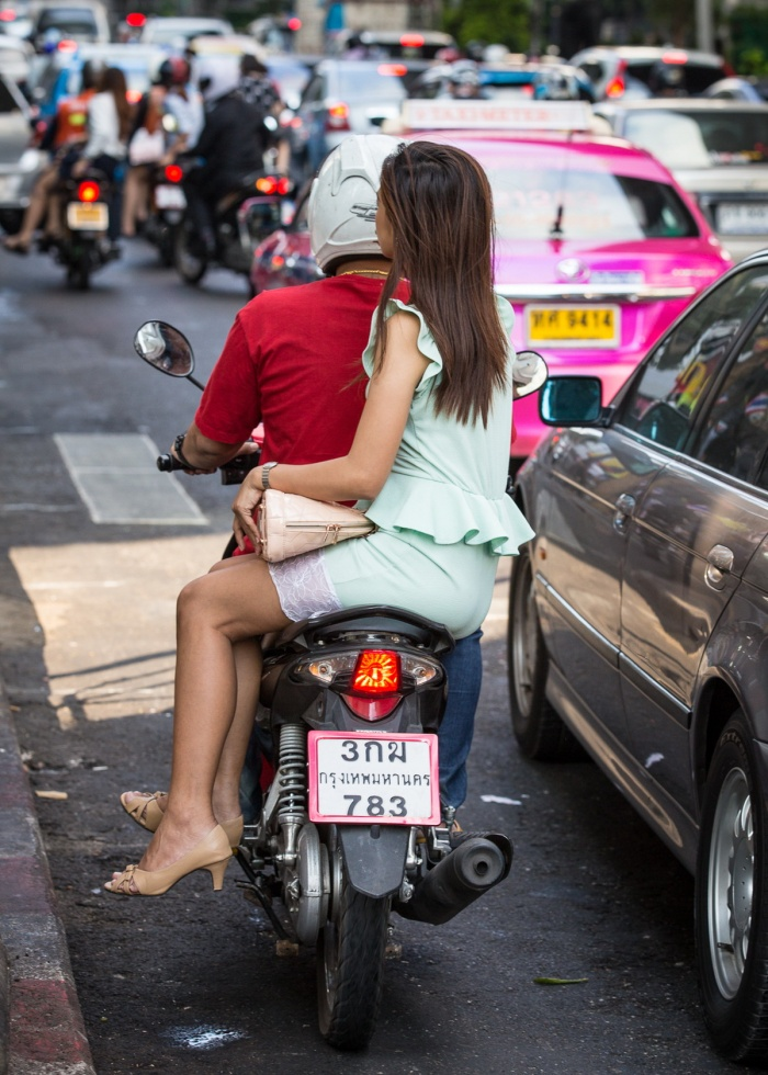 motorcycle-side-saddle-thailand-bangkok-samui-tours-travel-transport-girls-thai-saddle-full-saddle-legs-sexy-girls-6