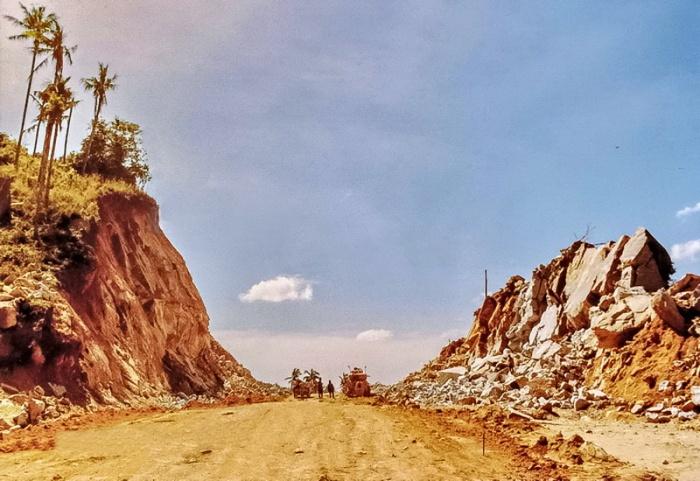 14th-june-1981-ring-road-construction-between-thongtakian-beach-and-chaweng-beach-koh-samui