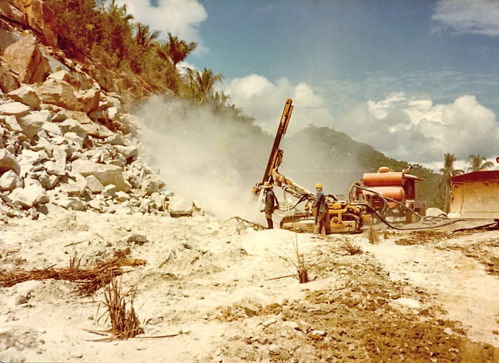 Koh Samui-Ring road-construction-Bang Po-1982-dynamite-excavation