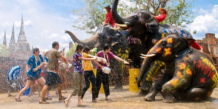 Songkran, 2016, New Year, Water Festival, Info, Thailand, Thai, dates, locations, buddhist, culture, traditions, festival, water fight, elephants
