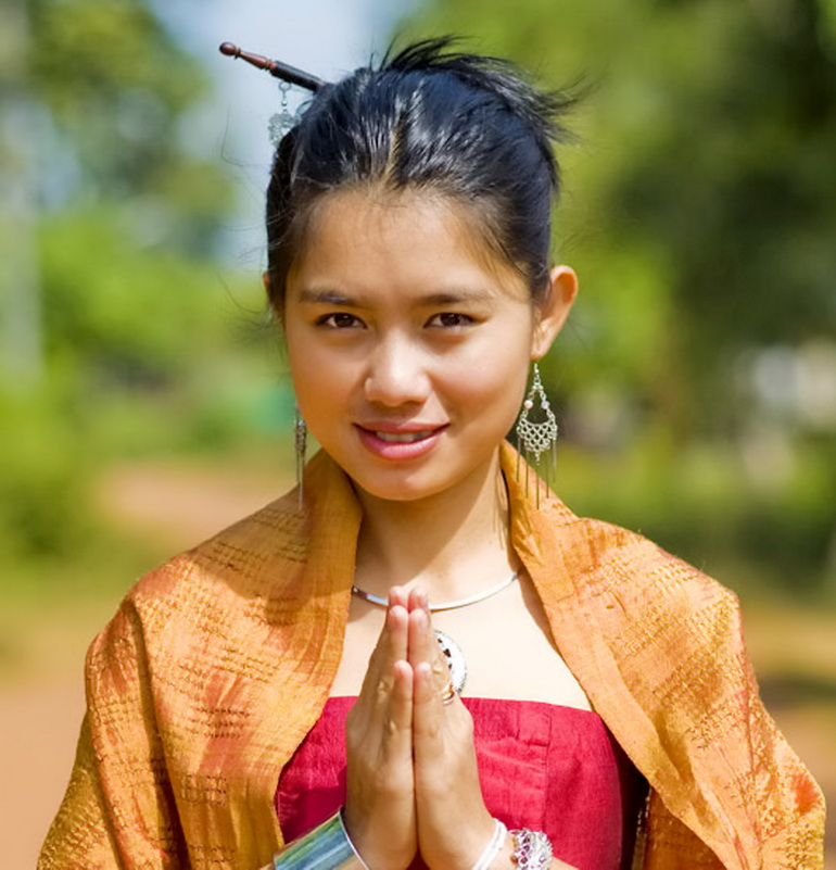 Waigreeting etiquette thai customs hello thailand traditions waigreeting etiquette thai customs hello thailand traditions customs island info samui 16 m4hsunfo Gallery