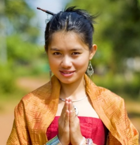 wai_greeting-etiquette-thai-customs-hello-thailand-traditions-customs-island-info-samui