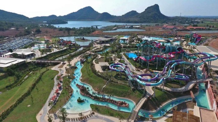 Ramayana-Water-Park-TOP-5-BEST-THEME-PARKS-THAILAND-ISLAND INFO SAMUI-WATER-SLIDES-FAMILY-ACTIVITY
